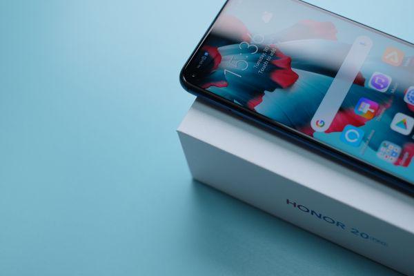 HONOR predstavlja novu porodicu najnaprednijih telefona – HONOR 20 seriju