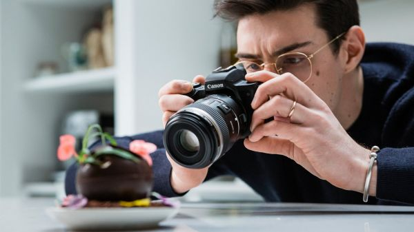 Dok stvaranje sadržaja za društvene mreže nastavlja svoj brzi rast, Canon predstavlja EOS M50 Mark II